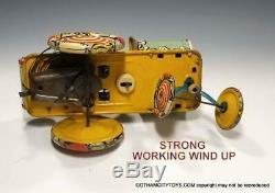 1940 PRE WAR Unique ArtARTIE CLOWN with DOG JO JO in Eccentric Car Tin Windup