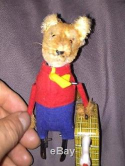 1950 VINTAGE SCHUCO 969 Mr. FOX with GOOSE. Rare WIND-UP TOY