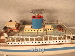 Fleischmann windup toy Ocean Liner cruise ship, very nice paint and decal