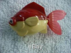 Fq- Vintage Tomy Wind Up Red & White Fish Swims In Bath Tub Or Water
