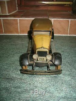 KINGSBURY SEDAN CAR VINTAGE PRESSED STEEL WIND UP TIN TOY TINPLATE no structo