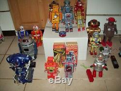 Lot of 37 Vintage Collectible Toy Robots. Wind Up and Battery Operated