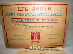 ORIG. VTG 1945 LI'L ABNER AND HIS DOG PATCH BAND WINDUP TIN TOY WithBOX NEAR MINT