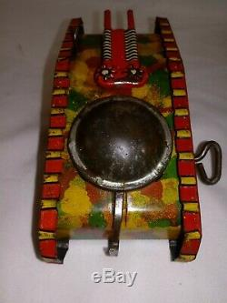 RARE 1920's MARX WIND UP ARMY TANK with HOOK WORKS GREAT EARLY TIN U S A