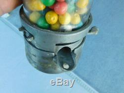 RARE Vintage glass 1930's Penny King Flatbush Gum Co. Gumball Vending Machine