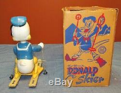 VINTAGE 1950's MARX WIND UP WALT DISNEY'S DONALD DUCK THE SKIER with ORIGINAL BOX