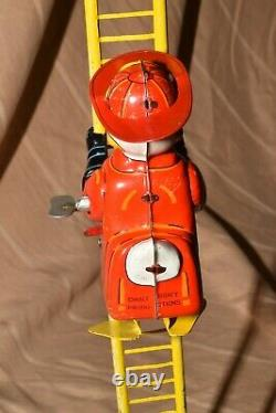 VINTAGE LINE MAR WINDUP DONALD DUCK FIREFIGHTER Walt Disney Productions With BOX