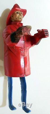 VINTAGE TIN PLASTIC TOY WIND UP MARX CLIMBING FIREMAN MADE GREAT BRITAIN 40s
