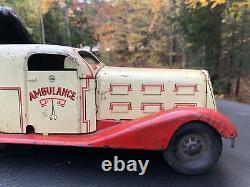 Vintage 1930s MARX Ambulance Windup White Red Fenders Scarce Original 14