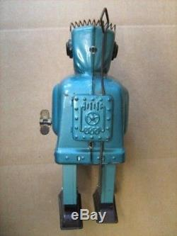 Vintage 1950's Ratchet Robot Sparky Tin Wind Up Toy Made By T. T. NO BOX