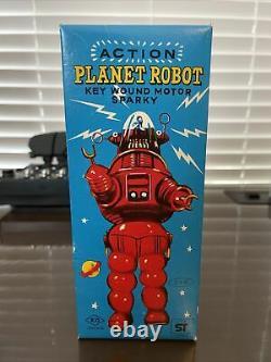 Vintage 1970's Yoshiya KO Japan Action Planet Robot Wind-up MIB Robbie the Robot