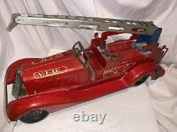Vintage Marx VFD Fire Engine Water Tower Truck Wind Up Toy