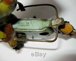 X-Rare antique Müller & Kadeder Singe Cylinder Motorcycle withDriver Crank Tin Toy